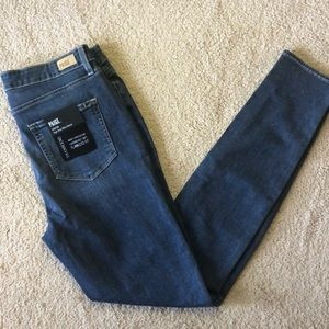 Paige denim re-posh. Too tight for me. Size 32.